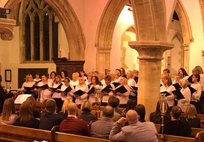 Witney Choir sings for Macmillan Cancer  Support