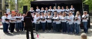 Sun shines on WOAPA singers