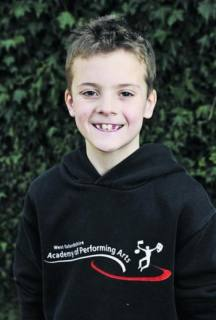 Carterton Singing dance & Drama class student in professional performance