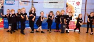 Children drama classes Madley Park Hall Witney - Singing Dance Drama