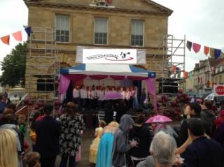 Witney Choir performance at carnival